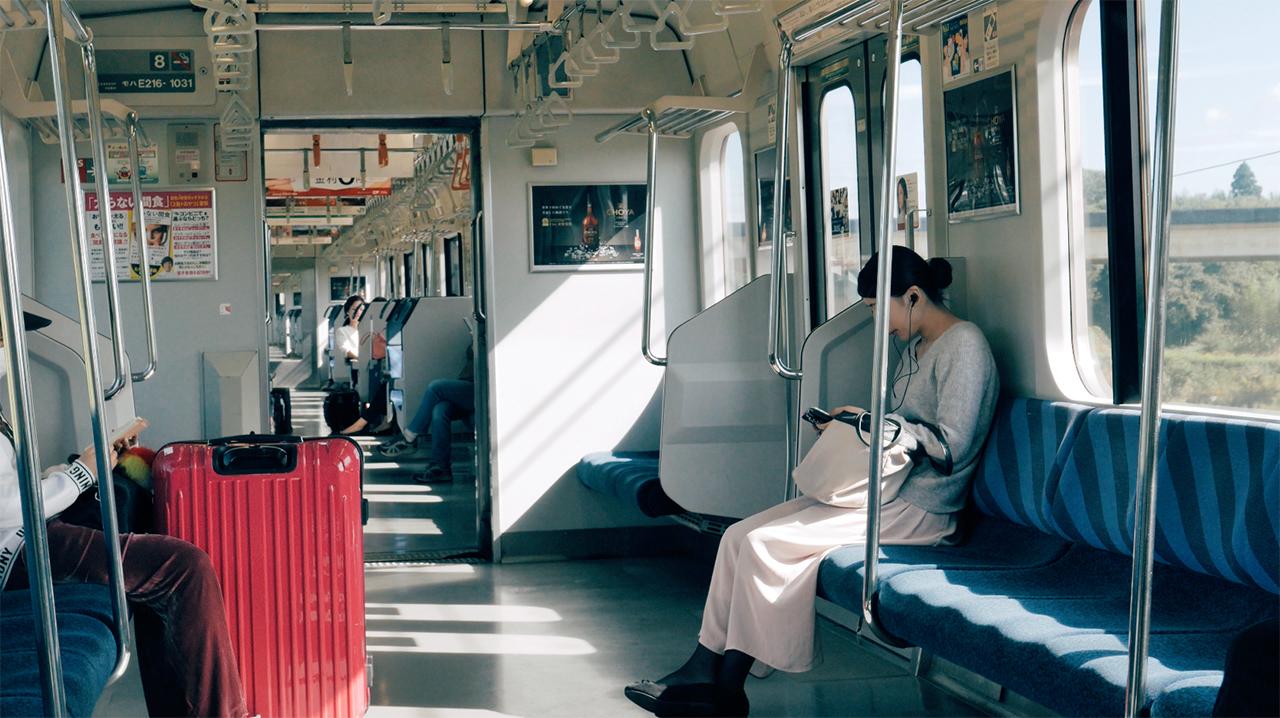 2016 東京視界 – 成田總武線快速車廂內